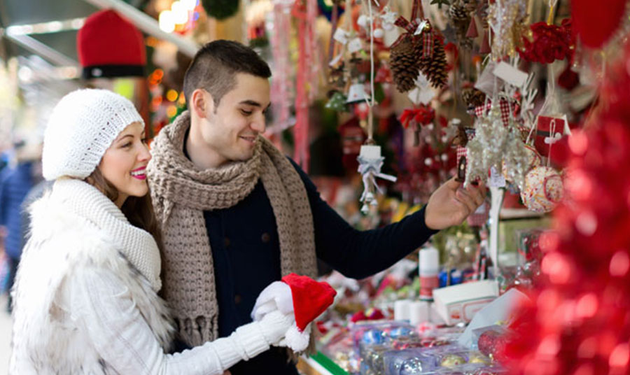 Festive Holiday Things to Do in Toronto: Christmas Market Shopping